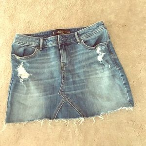 Hollister denim skirt size 3